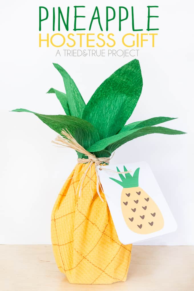 Use a kitchen towel and a few basic supplies to create this fun Pineapple Hostess Gift!