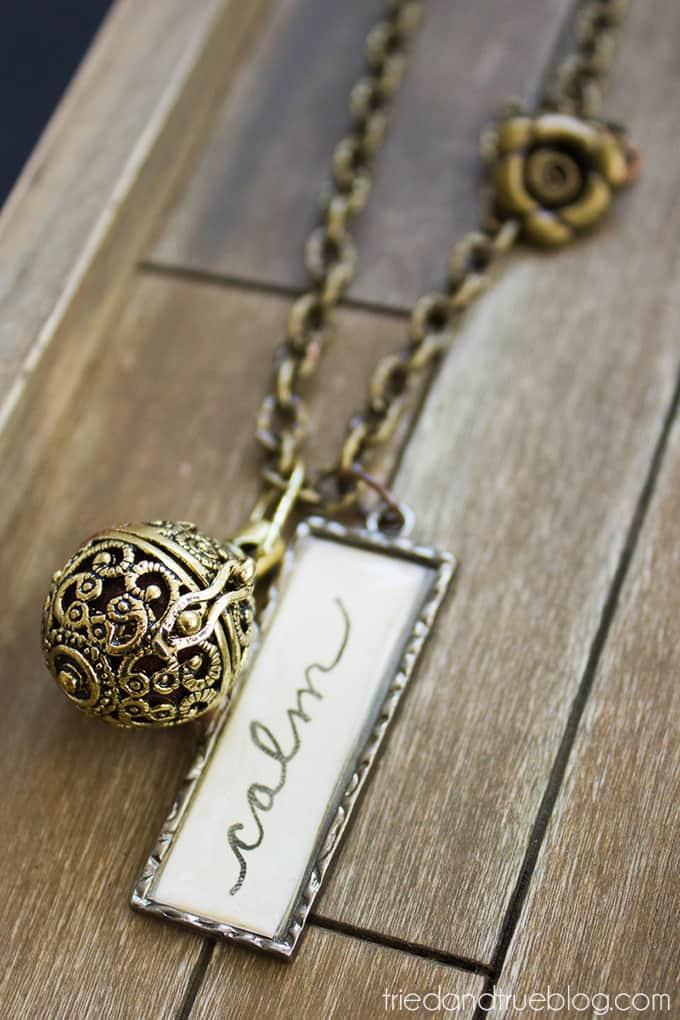 Easy Essential Oils Diffuser Necklace - Calm