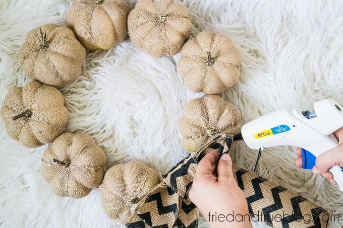 15 Minute Burlap Pumpkin Wreath - Glue