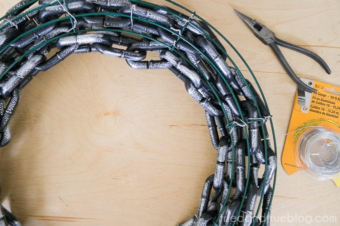 The Raven Halloween Wreath - End Chain