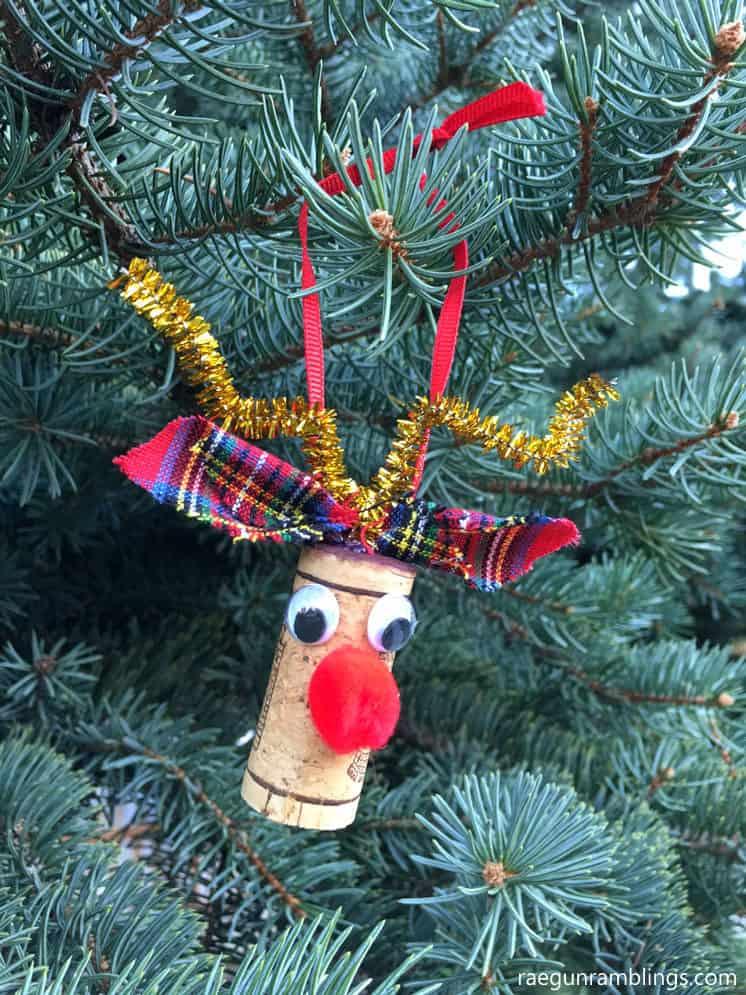 rudolf-wine-cork-crafts-s