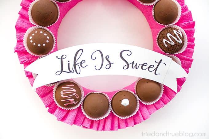 Chocolate Valentine's Day Wreath - Banner