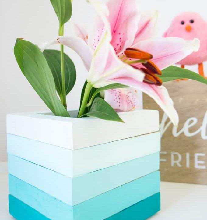 Easy Wood Frame Gradient Vase - Pretty