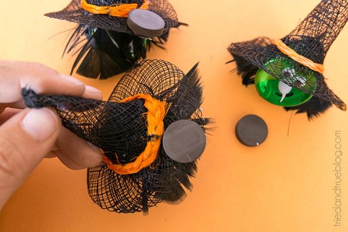 Halloween Witch Tea Light Magnet - Magnet
