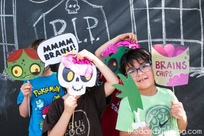 Halloween Zombie Party for Kids! - Photobooth