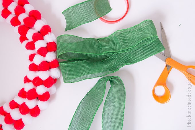 How To Make A Pom Pom Wreath In Minutes! - Bow