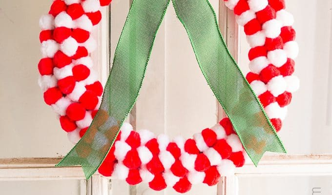 How to Make a Pom Pom Wreath in Minutes!