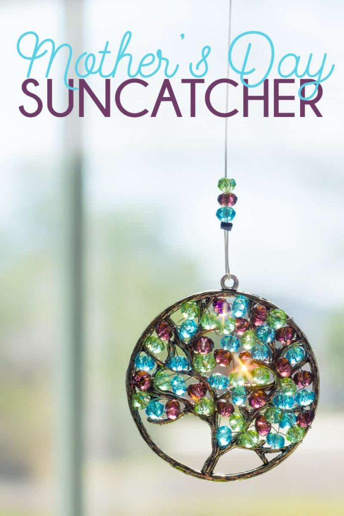 How to make a handmade Mother's Day Suncatcher