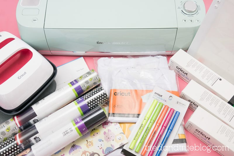 Items found in the Cricut Gift Guide for Crafty Moms.