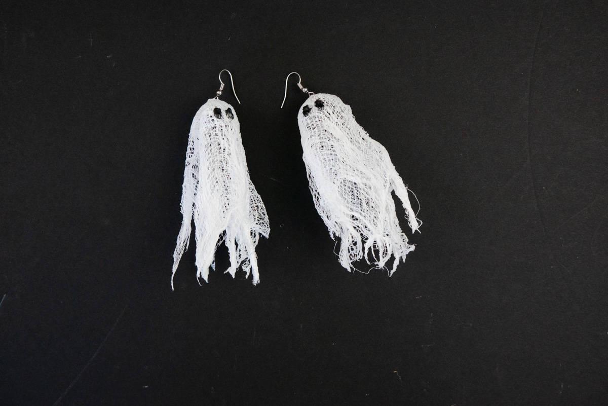 Cute & Easy Halloween Cheesecloth Ghost DIY Earrings
